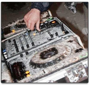 winter-dj-decks-snow-covered