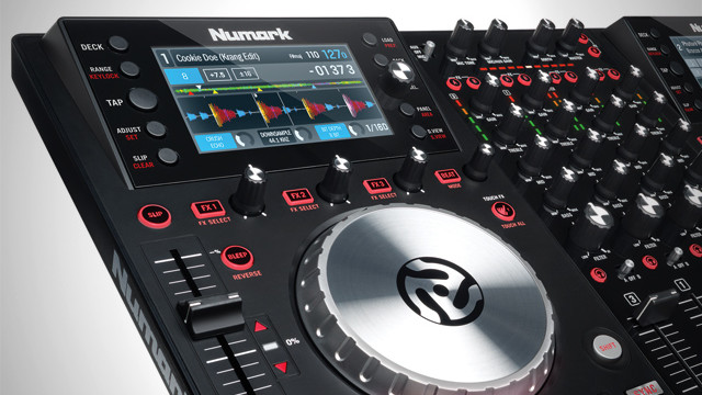 numark-nv-controller-screens-built-in