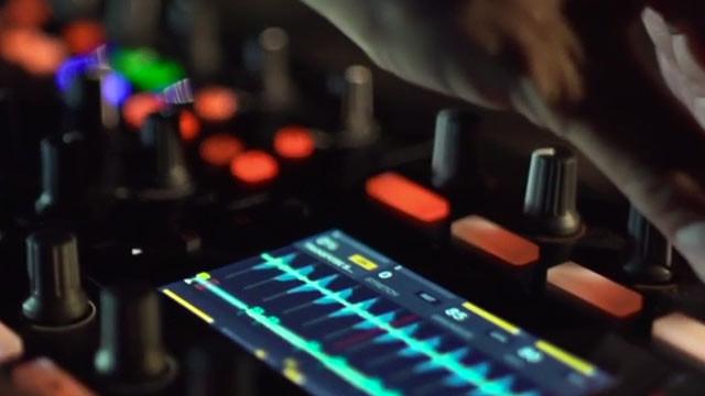 kontrol-s8-dj-controllers-640x360